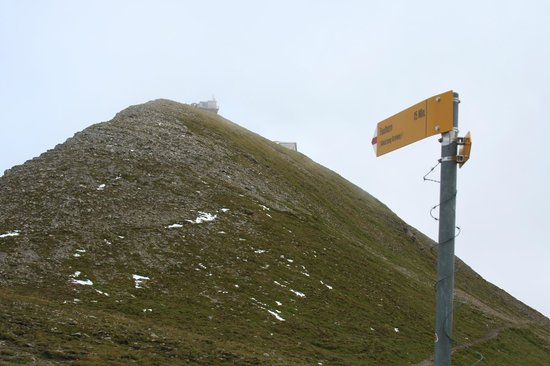 Berghotel Faulhorn: Sign for the Steep Route from Schynige Platte route - Faulhorn