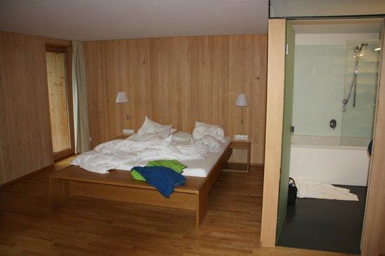 Hotel Schwanen im Bregenzerwald: Zimmer Kategorie I Innenansicht