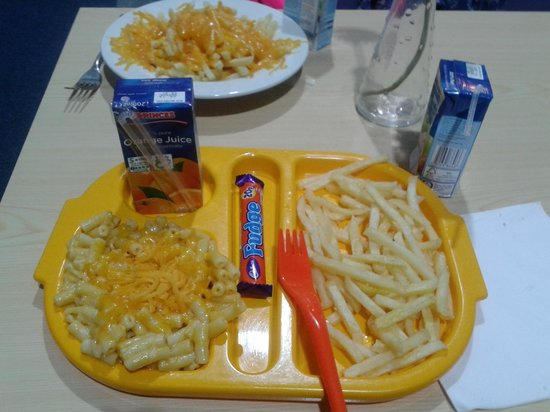 Frostys Fun House: Children's macaroni cheese, chips and a complimentary Cadburys fudge and Princes fruit juice. £4