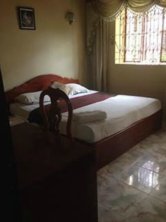 Royal Guest House: bedroom