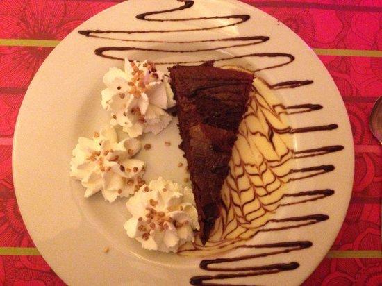 Jardin Des Arts : Chocolate cake