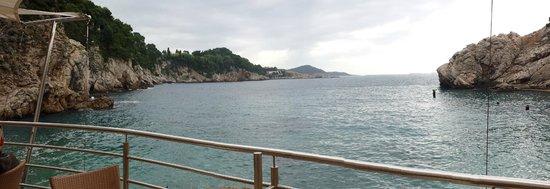 Hotel Bellevue Dubrovnik : vue terasse bas hôtel 2