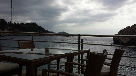 Hotel Bellevue Dubrovnik : Vue terrasse bas hôtel