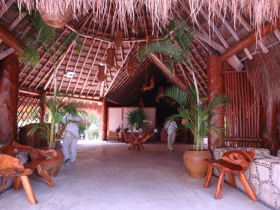 Mahekal Beach Resort: Lobby