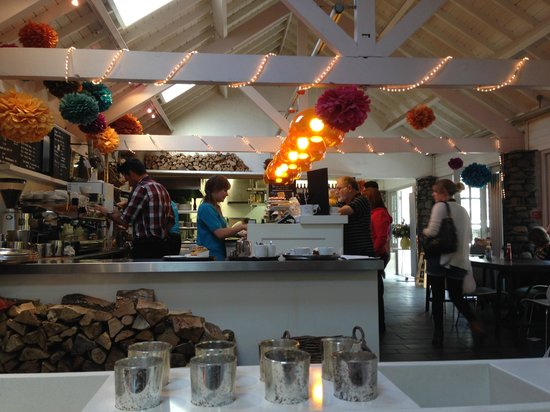 Chesters By The River: Inside the cafe area