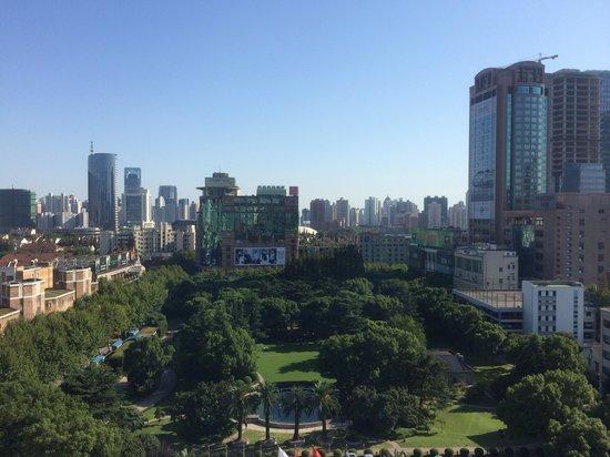 Okura Garden Hotel Shanghai: オークラガーデンホテルの窓から
