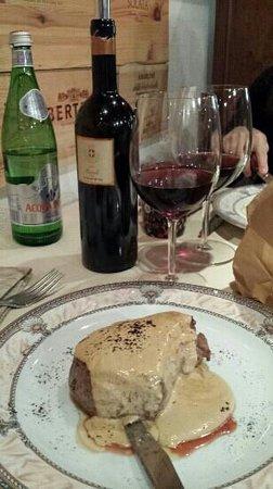 Hosteria Cicchetteria Marinerei : filetto al caffè con barolo coppo