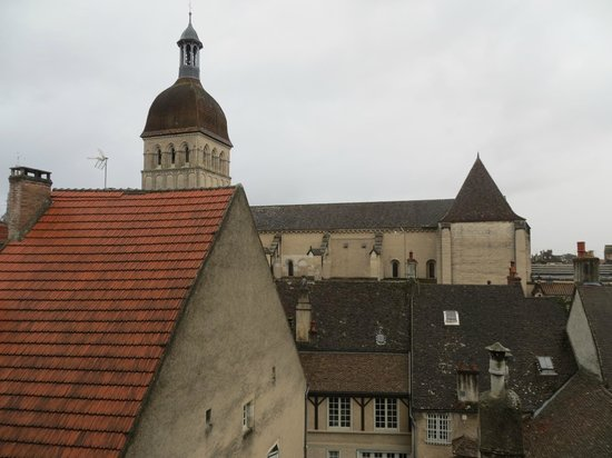 Abbaye de Maizières : Notre Dame Beaune from my room