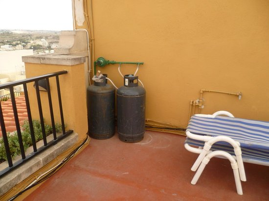 Soreda Hotel : Health and Safety on roof terrace