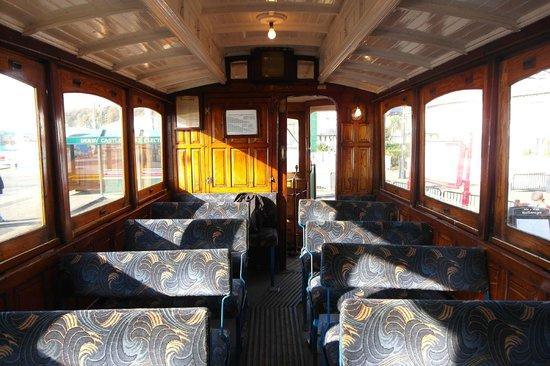 Manx Electric Railway: Electric Railway 的車廂內部