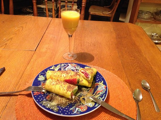 Hidden Valley Bed and Breakfast: The Crepes Suzette Sunday breakfast I was served