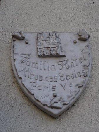 Familia Hotel: Hoel Familia crest