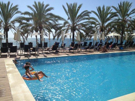 Hapimag Residenz Marbella: Pool mit Blick aufs Meer