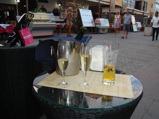Las Tap.ita.s: Cheers
