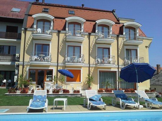 Photo of City Hotel Eden Keszthely