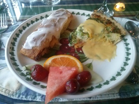 Brigadoon Bed and Breakfast: Breakfast