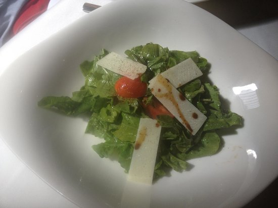 Restaurante Di Vino: Ensalada de Arugula con queso parmesano y vinagreta