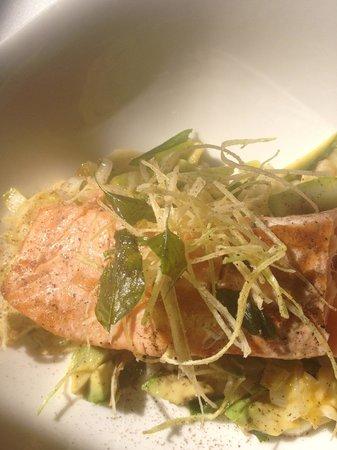 Restaurante Di Vino: Salmon