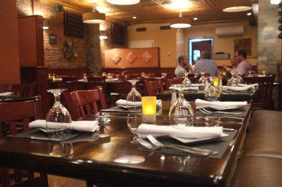 Ceci Italian Cuisine: Dining room