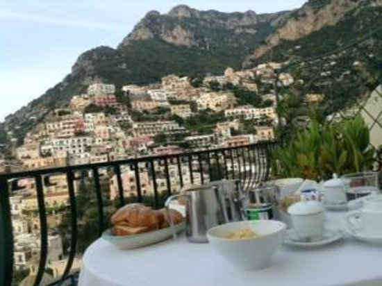 Residence Alcione: Breakfast at the terrace