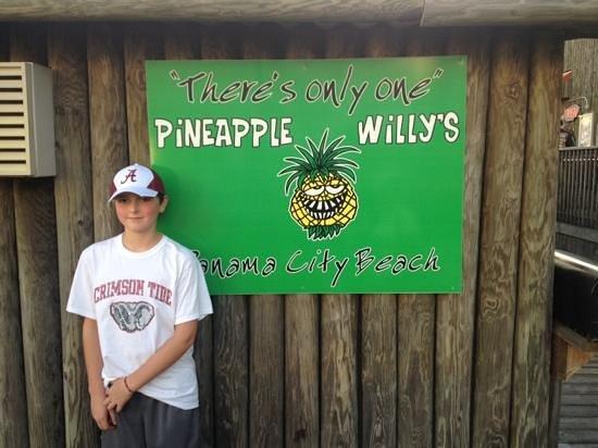 Pineapple Willy's : dinner