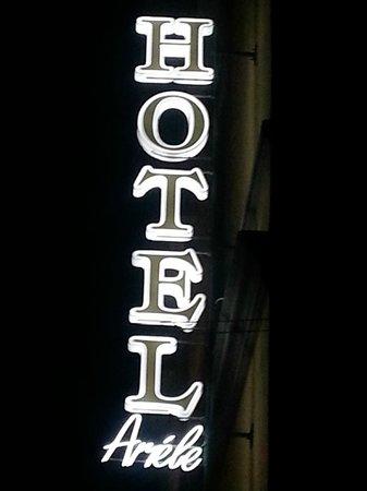 Ariele Hotel: Outside