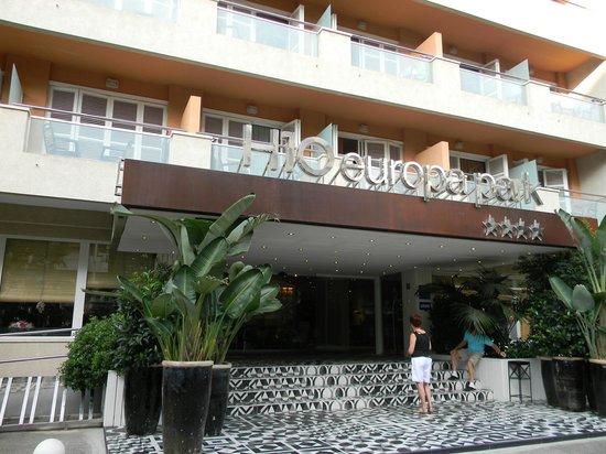 H10 Vintage Salou : Вход в отель.