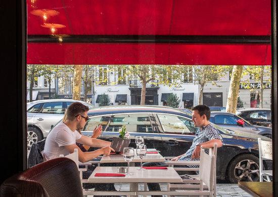 Fernande de Bruxelles : Terrasse Le grain de Sable