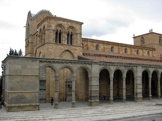 The Romanesque exterior of San Vicente - Picture of ...