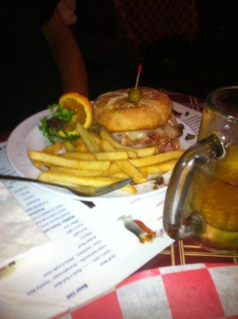 Neon Leon's Zydeco Steak House: Muffaletta