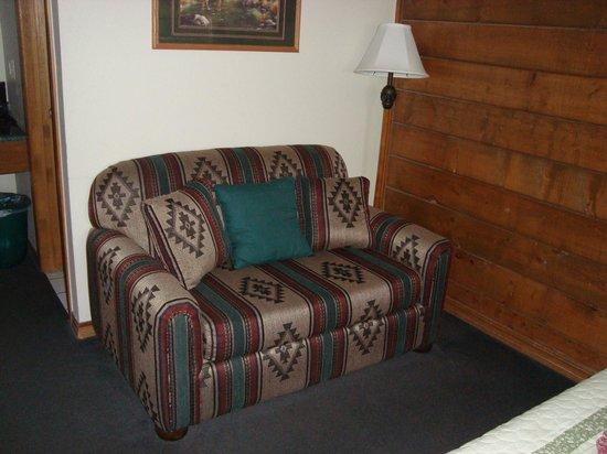 Tenkiller Lodge: love seat