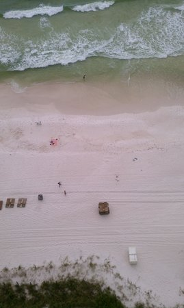 Emerald Isle Resort and Condominiums: beach from floor 20