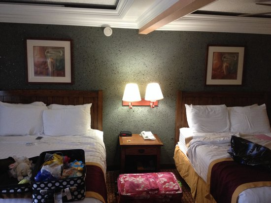 Park Vue Inn : Two queen bedroom