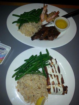 Cape Ann's Marina Resort: Best seafood ever!