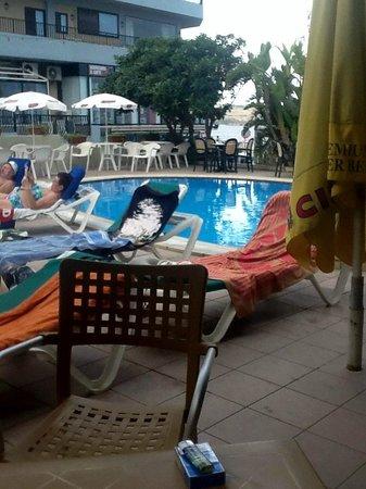 Seaview Hotel: Pool Area