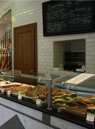 Photo of French Restaurant Gontran Cherrier at 22 Rue Caulaincourt, Paris 75018, France