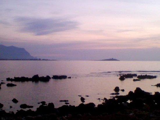 Riserva Naturale Orientata Di Capo Gallo : Tramonto da punta Barcarello (Sferracavallo)
