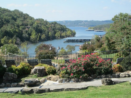 The Wilderness Club at Big Cedar: Table Rock Lake from one of the Pool areas