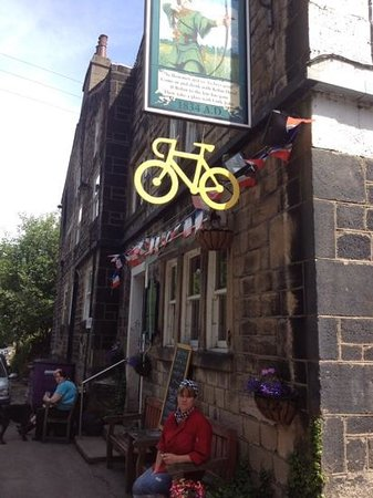 Robin Hood Pub: Bike friendly pub! getting ready for TDF 2014