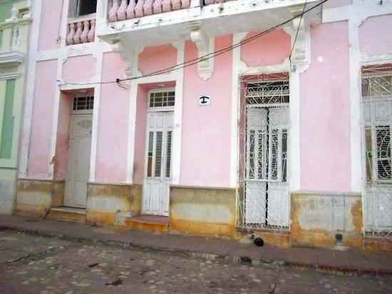 Hostal Casa Nancy : facciata esterna
