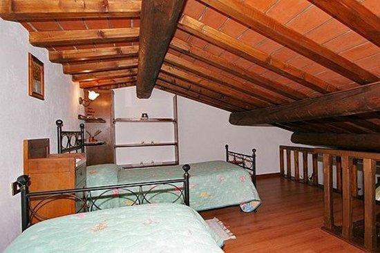 Agriturismo Casa Rossa: Appartamento Lavanda - mansarda