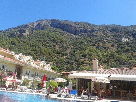 Mavruka Hotel : Beautiful hills to view