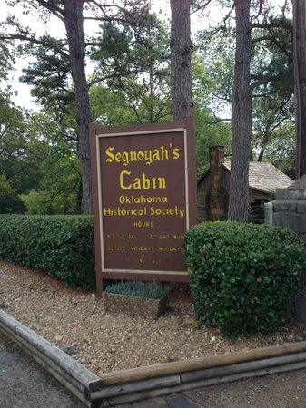 Sequoyah's Cabin: Entrance