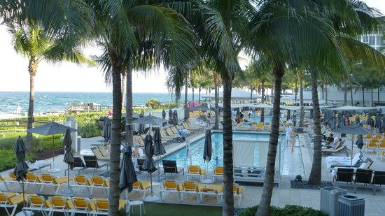 Boca Beach Club, A Waldorf Astoria Resort: View from the balcony