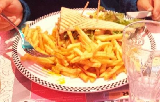 Cafe Racer Diner : club sandwich poulet roti