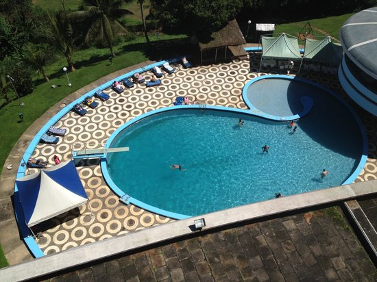 Hotel Mont-Febe : Brave swimmers