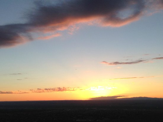 La Quinta Inn & Suites Albuquerque Midtown: sunset from mexican restaurant at bottom of sandia railway