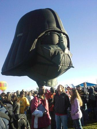 La Quinta Inn & Suites Albuquerque Midtown: Huge darth vadar baloon
