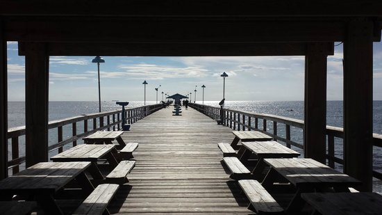 Anglins Fishing Pier: The entrance