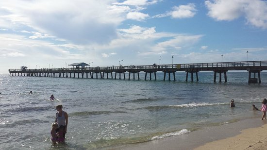 Anglins Fishing Pier: From the beach
